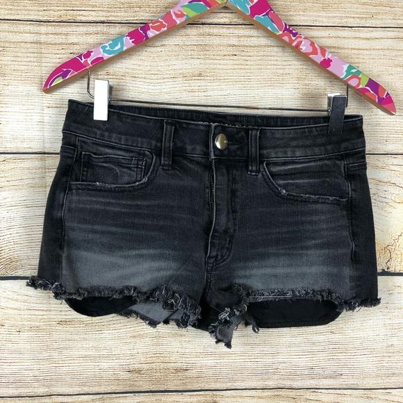 American Eagle Outfitters Pants - Black American Eagle hi-rise shortie sz 6 // U26